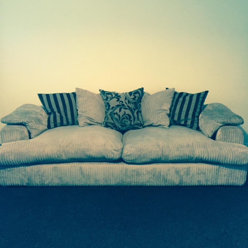 Dfs 4 Seater Pillow Back Sofa Buy Sale And Trade Ads