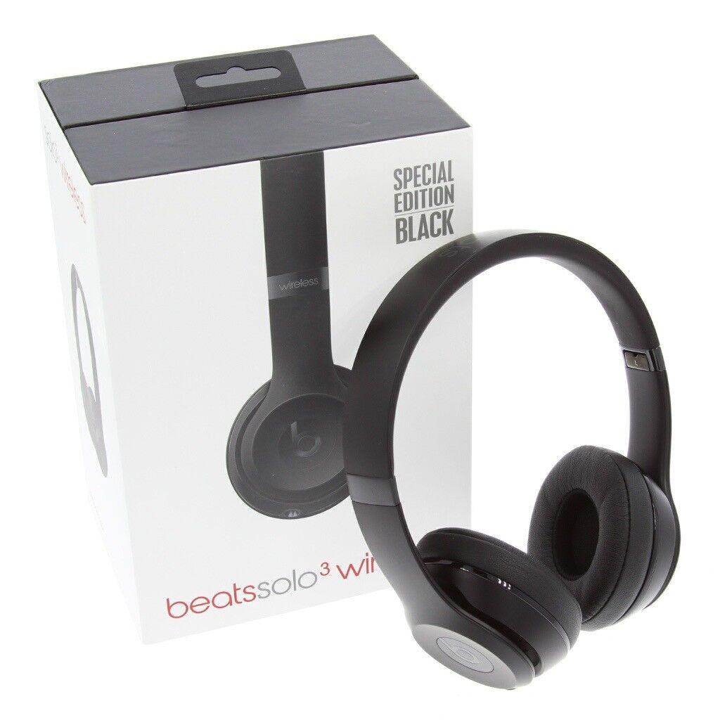 Beats Solo3 wireless headphones- Matte Black (limited Edition)
