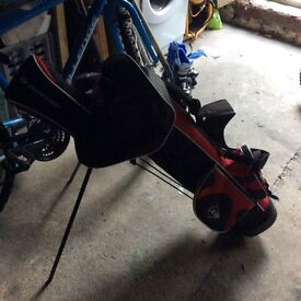 Dunlop junior golf set and bag black and red