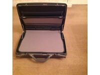 Samsonite attache/briefcase