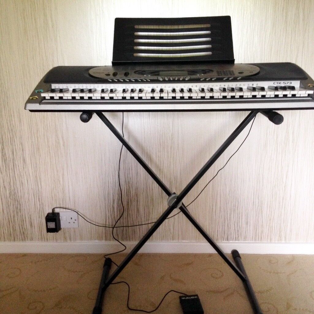 Casio CTK-573 Keyboard