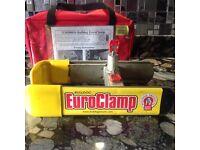 Caravan bulldog euro wheel clamp and chic master