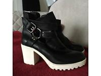 BLACK AND WHITE BLOCK RUBBER HEELED BOOTS RIVER ISLAND BNWT