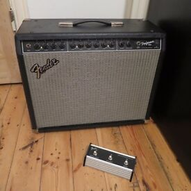 Fender Performer 1000 guitar amp with foot switch