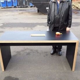 REDUCED, FREE DELIVERY computer desk