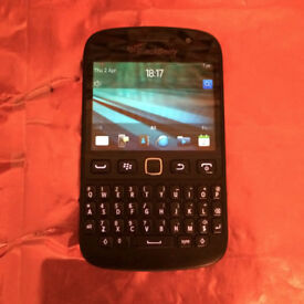 BARGAIN BEAUTY Works On3 Unlocked Black BlackBerry Bold 9720 Touch Screen Phone w/ Charger!