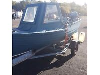 13ft 6 fishing boat 15hp outboard engine anchors oars echo sounder trailer spare wheel 4 rod holder