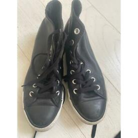 BLACK LEATHER CONVERSE - SIZE 6 MUST GO TODAY!! OFFERS WELCOME!