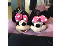 Ladies Minnie Mouse slippers