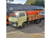Left hand drive Toyota Dyna 300 / BU30 6 tyres 3.5 truck. On 6 studs.