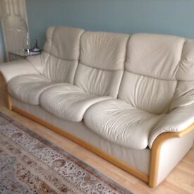 Ekorness Stressless. Cream leather 3+2+1+ 2 footstools. Excellent condition. Pet and Smoke free.