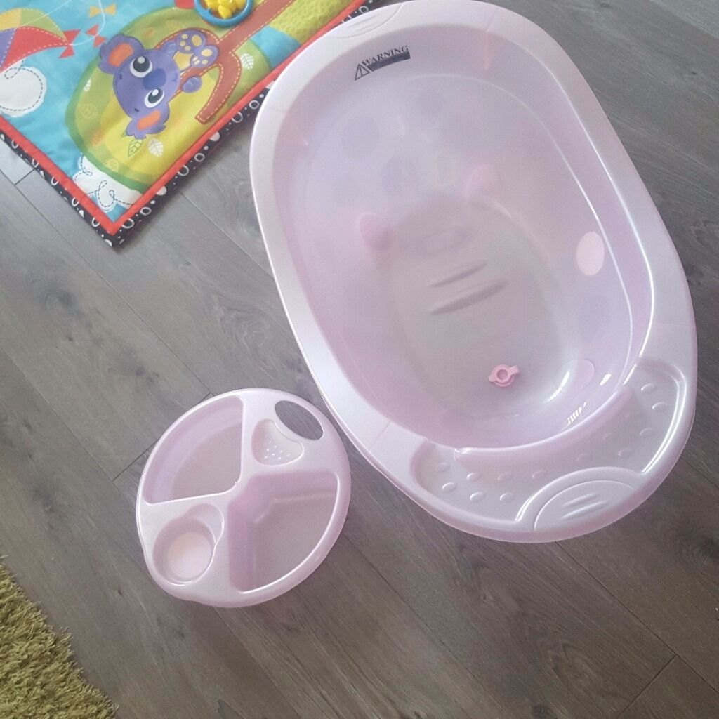 Pink baby bath with top and tail bowl