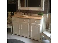 Truly stunning natural wooden top kitchen/dining/living sideboard EX CONDITION