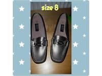 Woman's buckle shoe