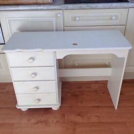 Childs desk with drawers