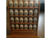 GLORIA VANDERBELT 24 CHINA SPICE JARS