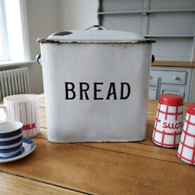 vintage enamel bread bin. kitchenalia. enamelware. vintage kitchen. retro kitchen. kitchen decor