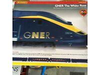 "Hornby GNER "" white Rose "" model railway 00 gauge train set"
