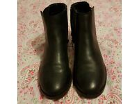 Womens New Look, flat, black ankle boots, size 4, very good condition.