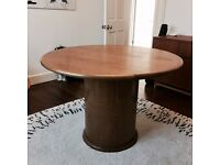 Round Table / 118cm / Seats 4-6 / ? Mid Century / Oak / Vintage