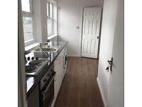 ***REFURBISHED 1 BEDROOM FIRST FLOOR FLAT READY TO MOVE IN PERIVALE (UB6)