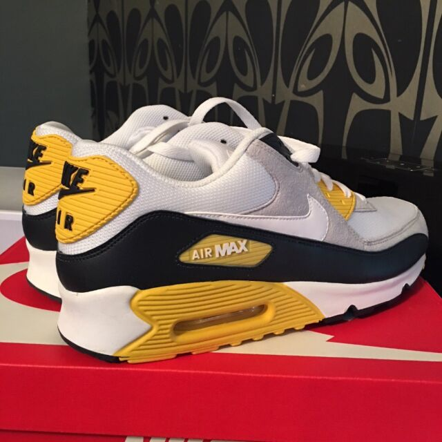 low priced d9081 1a1cc Nike Air Max 90 Mens Trainer, UK Size 11   in Brighton, East Sussex    Gumtree