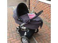 Quinny Buzz Travel System,Black, Excellent Condition, Includes, Footmuff, Bag, Blanket and Parasol.