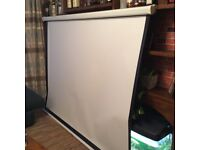 Euroscreen Projector Screen