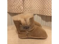 Baby Ugg unisex pre-walker /slippers