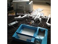Fully working Nintendo Wii for sale with 5 games and accserries,
