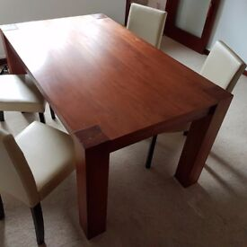 4 Cream and Black Leather Effect Dining Chairs + Dining table 150 cm