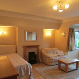 Stunning double en-site room to rent on East Cliff Bournemouth