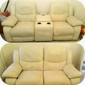 1 year old elecric recliner 3 and 2 with docking station can deliver 07808222995