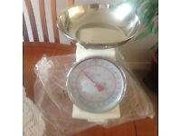 Kitchen scales new in box good quality cream