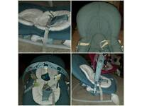 Chicco Hoopla baby bouncer in BLUE