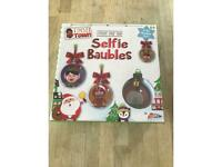 New - make your own Christmas selfie baubles