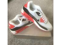 510f022286 SIZE 7 BRAND NEW NIKE AIRMAX 90 AIR MAX BOXED TRAINERS (NOT) tn 110s