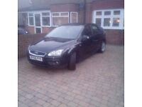 FORD FOCUS PETROL 1.6 GHIA MET BLACK IMMACULATE CONDITION