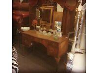 Vintage neehole dressing table