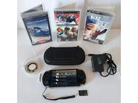 SONY PSP 3003 PIANO BLACK GCOND WITH EXTRAS SEGA MEGADRIVE!!