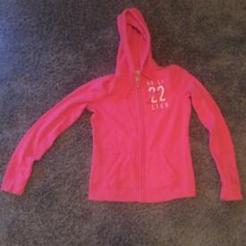 Hollister Hoodie (size small) in good condition