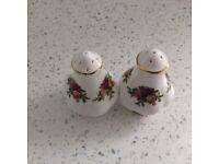 Salt and pepper pots