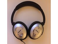 Bose Quietcomfort 15 Acoustic noise cancelling headphones - includes wire with mic and official case