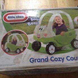 LITTLE TIKES GRAND COZY COUPE CAR. BARGAIN PRICE. NEW IN BOX. GREEN/WHITE