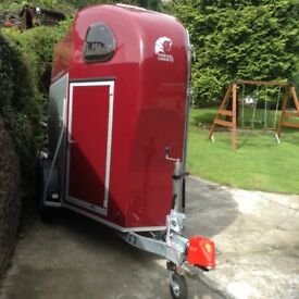 *** Reduced *** Horse trailer