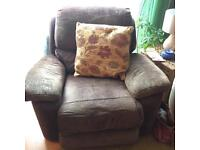 Free electric reclining arm chair