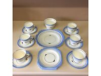 Victoria Bone China 20 Piece Coffee/Tea set