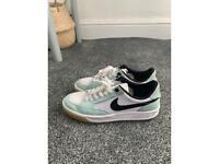 NIKE SB Lime green/White unisex sneakers (Size 7.5 UK)