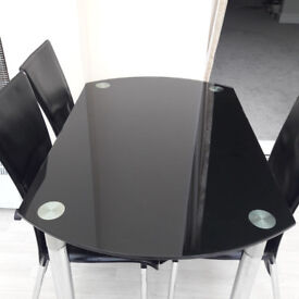 Glass dining table (extendable) & 4 chairs