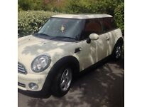 MINI ONE, PANORAMIC ROOF FULL SERVICE HISTOTY 62000 MILES LADY OWNER 9 MONTHS M.O.T